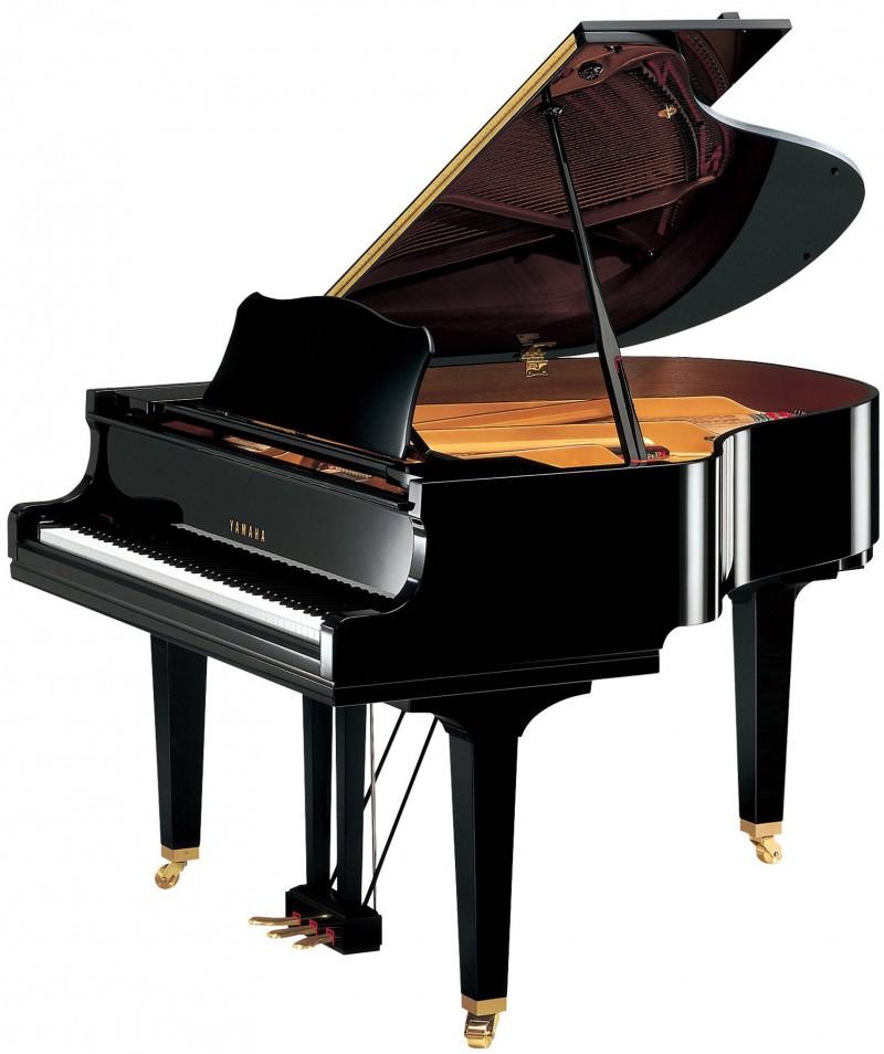 雅马哈三角钢琴GC1